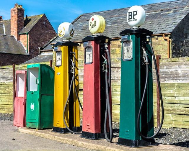 A Viajar en coche, dónde recargar gasolina barata