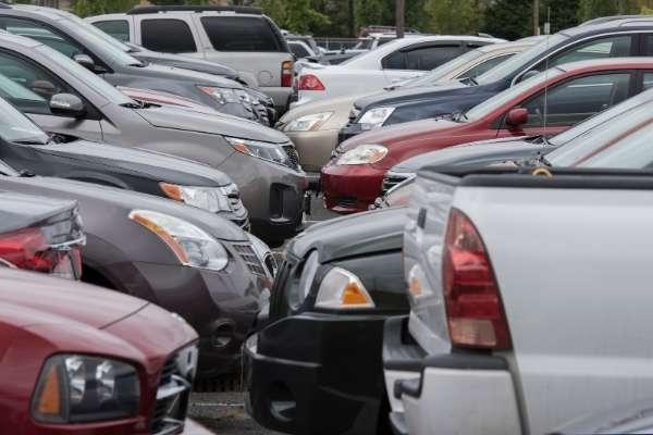 Alarmas por la antigüedad de coches usados a la venta en España